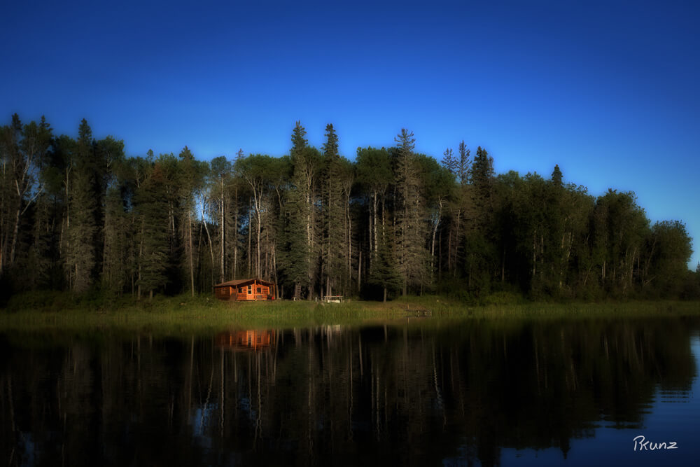 10/52 Cabin on The Sturgeon Weir River
