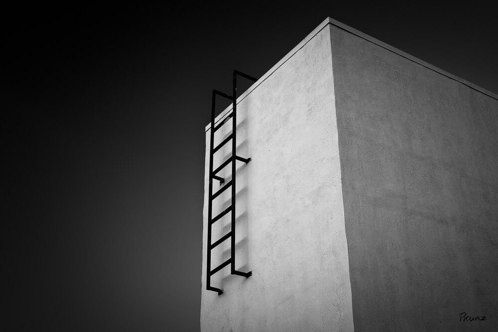 18/52 Ladder